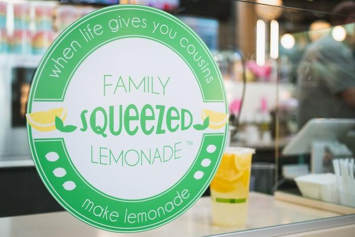 family squeezed lemonade logo